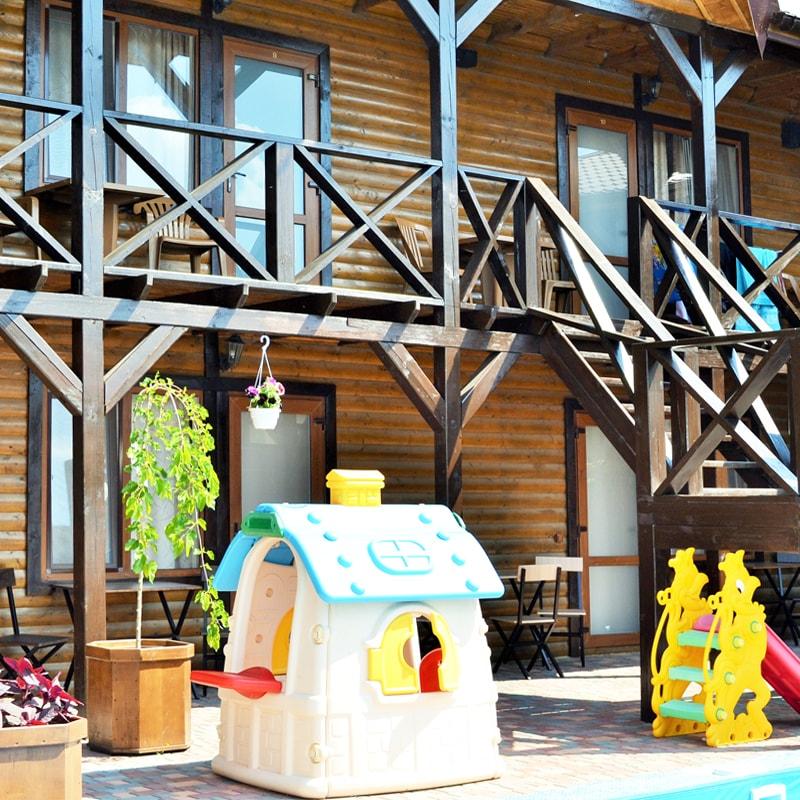 Двухуровневый дачный дом 407 кв.м на берегу Черного моря вблизи села Прибрежное
